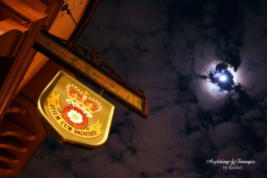 Rose_and_Crown_Moon-web