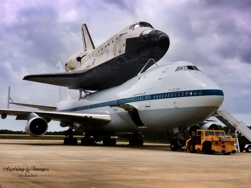 Shuttle Discovery mated for ferry to DC