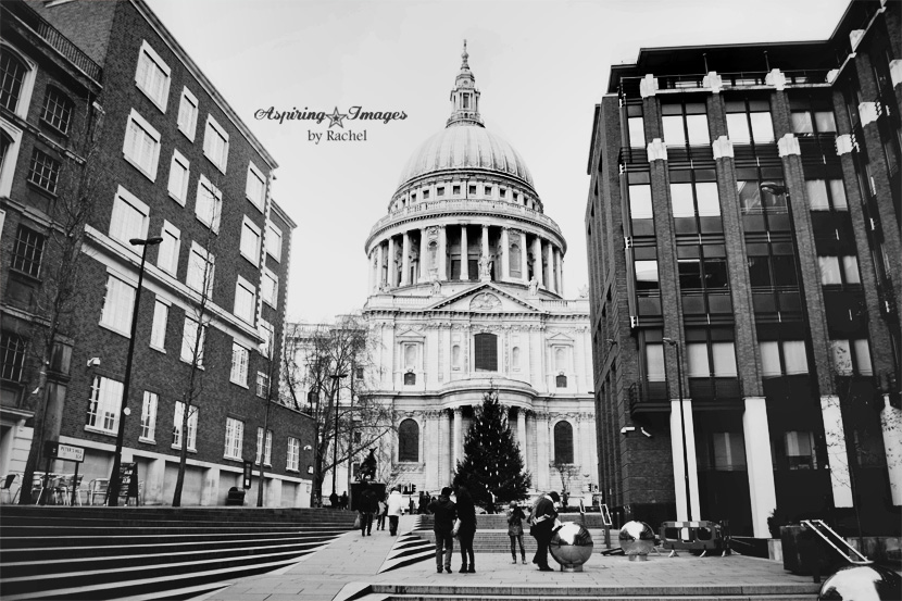 AspiringImagesbyRachel-London-StPaulsCathedral-fromMillenium-bw