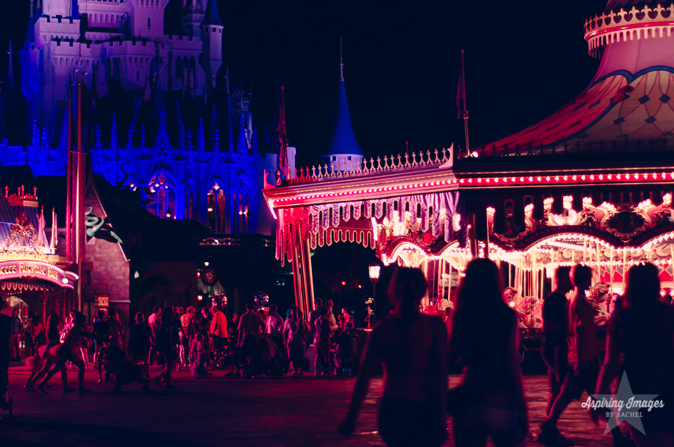 AspiringImagesbyRachel-Disney-MagicKingdom-CastleandCarousel-Night