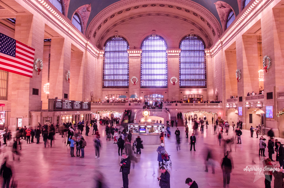 AspiringImagesbyRachel-NYC-GrandCentralStation-OnTheSteps