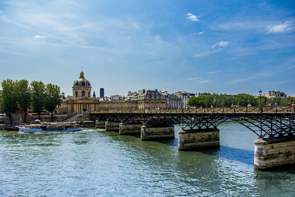 AspiringImagesbyRachel-Paris-PontsDesArtsBridge-LoveLocks-SeineRiverBoat